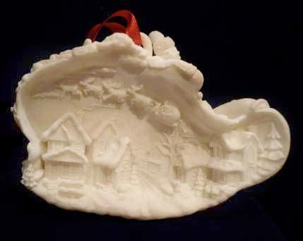 Santa Dream Flight Tree Ornament or Table Top Decoration